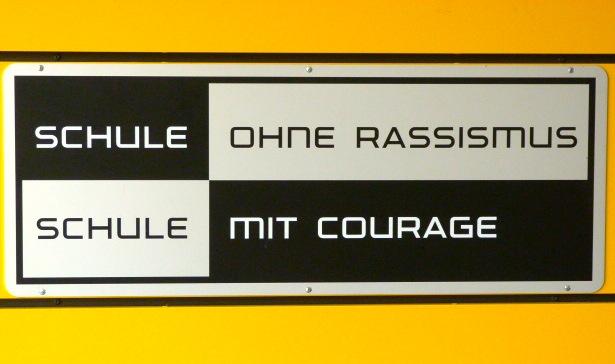 Courage-Schild